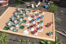 Paint pot checkers board